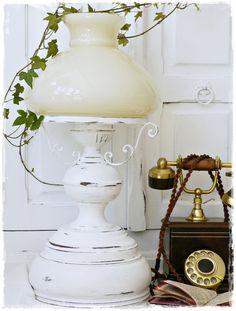 Tischlampen - Vintage Shabby Lampe - ein Designerstück von ShabbyMaison bei DaWanda