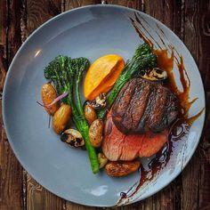 Gourmet Recipes, Beef Recipes, Cooking Recipes, Sushi Recipes, Gourmet Desserts, Gourmet Foods, Yummy Recipes, Gourmet Food Plating, Food Plating Techniques
