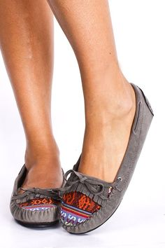 GREY FAUX SUEDE FRINGE EMBROIDERED MOCCASIN INSPIRED FLATS