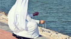 الاستخارة أتت من كلمة خير قال الإمام الصادق (ع): ما خاب من استخار و لا ندم من استشار, وبهذا ان كنت في حيرة من أمر تابع معنا طريقة الاستخارة في مدرسة أهل البيت عليهم السلام
