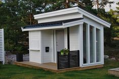 love this cubby house, this is my style of Cubby house. Kids Cubby Houses, Kids Cubbies, Play Houses, Backyard Studio, Backyard Play, Modern Playhouse, Playhouse Ideas, Wendy House, Tiny House Design