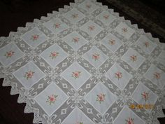 Quilts, Embroidery, Blankets, Stitches, Decor, Dining Table Runners, Crotchet Patterns, Tela, Needlepoint