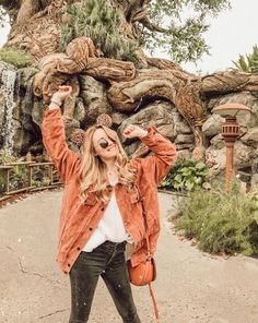 it, a shopping discovery app that allows you to instantly shop your favorite influencer pics across social media and the mobile web. Disney College, Disney Day, Disney Magic, Disneyland Trip, Disney Vacations, Disney Trips, Disneyland Christmas, Disneyland Halloween, Cute Disney Pictures