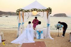 Decoración de ceremonia ideal para tu boda en playa por Bodas Huatulco