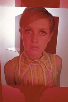 Twiggy, 1967 - Vogue outtake (Photographed by Just Jaeckin) Hipsters, Twiggy Model, Twiggy Style, 60s Style, Colleen Corby, Retro Fashion, Vintage Fashion, Jean Shrimpton, Pattie Boyd