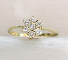 Vintage Sweet Star Diamonds 14K Yellow Gold Engagement Ring - 0.25ct
