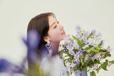 Park Shin Hye Accessorizes With Flowers in S/S 2020 Mojo S. Phine CF Pictorial | A Koala's Playground Park Shin Hye, Baby George, Royal Babies, Jay Park, Flower Boys, Korean Actresses, People Magazine, You're Beautiful, Travel Design