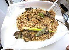 Vandaag maak ik serundeng. Indonesische geraspte kokos geroosterd in 8 kruiden.Onmisbaar bij het eten.