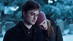 Daniel Radcliffe Emma Watson Hermione Granger Harry Potter et les reliques de la mort (volet 1)