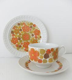 LOVE THSI!!! Retro tea set with orange flowers - Pontesa Ironstone Chinamoda, Fantasia pattern, 1970s.