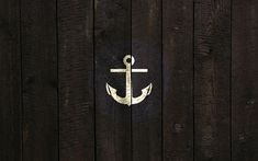 I love gold anchors -- I'd like this on a navy blue beach bag with white rope handles please.