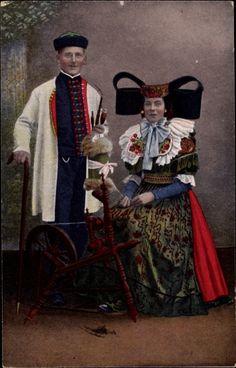 Postcard Trachten aus Schaumburg Lippe und Umgebung, Spinnrad