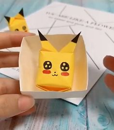 Origami Paper Crafts Paper crafts ideas for kids. The post Origami Paper Crafts appeared first on Paper Diy. Diy Crafts Hacks, Diy Home Crafts, Diy Arts And Crafts, Diy Crafts Videos, Creative Crafts, Fun Crafts, Decor Crafts, Diy Videos, Paper Crafts For Kids