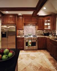 Small Kitchen Layout U-shape Floor Plans: No Longer a Mystery The kitchen is frequently the heart of a house. Kitchen Layout U Shaped, Small Kitchen Layouts, Kitchen Designs, Kitchen And Bath, New Kitchen, Kitchen Decor, Kitchen Ideas, Wood Kitchen Cabinets, Kitchen Flooring