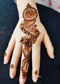 Check out the 60 simple and easy mehndi designs which will work for all occasions. These latest mehandi designs include the simple mehandi design as well as jewellery mehndi design. Getting an easy mehendi design works nicely for beginners. Mehndi Designs Book, Back Hand Mehndi Designs, Finger Henna Designs, Mehndi Designs For Girls, Simple Arabic Mehndi Designs, Mehndi Designs For Beginners, Mehndi Designs 2018, Mehndi Designs For Fingers, Modern Mehndi Designs