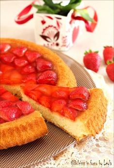Torta con fragole travestita da crostata Dulcisss in forno by Leyla