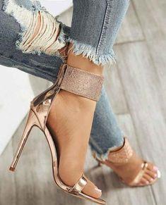 The # cutest sandals … – Women Trends Open Toe High Heels, Sexy High Heels, High Heel Boots, Womens High Heels, Women's Pumps, Pump Shoes, Shoes Heels, Glitter High Heels, Look Plus Size