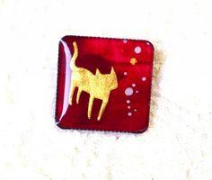 猫のミニブローチボルドー - アートアンドカントリー