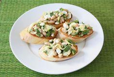 Spinach Artichoke White Bean Crostini