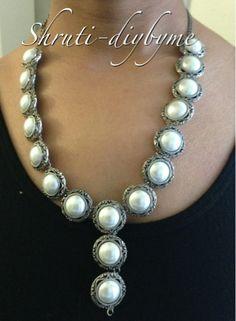 DIYs (Do It Yourself) : Button Necklace