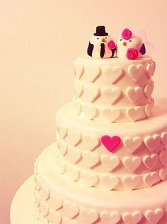 cute wedding cake with Love birds topper