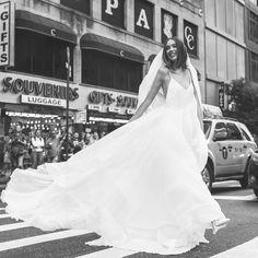 Wir freuen uns darauf Euch Stück für Stück unsere Designer, deren Kleider wir im Store führen, vorzustellen :) Starten wollen wir mit der talentierten @agatawojtkiewicz 🖤, deren Schnitte ganz besondere Eigenschaften bei Ihren Trägerinnen unterstreichen und erstrahlen lassen 🤩 #agatawbrides  #experinate #authenticandemotionalbeauty #experinatebride #keepmoving #kurzentschlossen #spontanehochzeit  #bridetobe2021 #brautkleider #wedding #weddingdress #tübingen  #stuttgart  #braut… Pop Up, Designer, Bridal, Wedding Dresses, Fashion, Stuttgart, Bride Dresses, Moda, Bridal Gowns