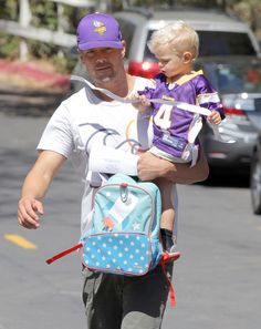 Josh Duhamel takes his son Axl to the park on October 1, 2015
