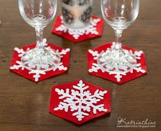 Of course, the idea is simple, but to me (and I'm crocheting snowflakes for many years), it came in mind just this year, that's it) ...