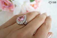 Gorgeous 6 carat Pear Cut Halo by TigerGemstones