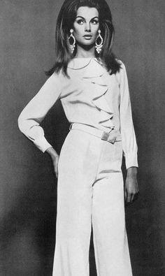 Jean Shrimpton- Vogue UK, 1966