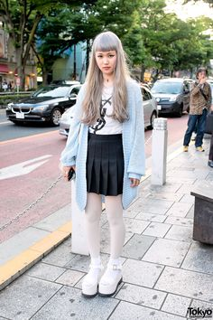 Maiko is a 19-year-old student who caught our eye on Omotesando Dori in Harajuku. Pastel Hair, YSL Top, Pleated Skirt & LDS Platform Sandals in Harajuku Knit Sweater & Cheerleader Skirt in Harajuku – Tokyo Fashion News #vanitytours