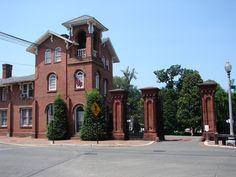 Georgetown Photos - A Neighborhood Photo Tour: Entrance to Oak Hill Cemetery