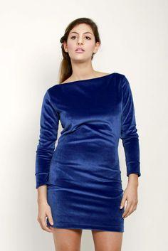 Vestido en terciopelo azul $99 Talle (1 y 2)