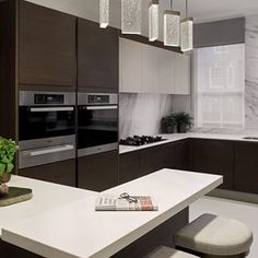 What's Truly Happening with American Style Kitchens From Your Favorite Brands Or Designers Around The World - homevignette Kitchen Island Decor, Best Kitchen Cabinets, Diy Kitchen Decor, Home Decor, Bar Seating, Kitchen Models, Interior Design Living Room, Polished Plaster, Pendant Lights