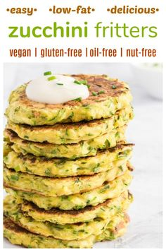 EASY HEALTHY DELICIOUS Zucchini Fritters These zucchini patties are dairy-free vegan gluten-free oil-free and nut-free Low-fat easy and quick to make allergen-friendly and a fabulous way to use all those seasonal zucchinis High Protein Vegan Recipes, Vegan Recipes Plant Based, Vegan Recipes Beginner, Vegan Lunch Recipes, Delicious Vegan Recipes, Vegan Recipes Videos, Dairy Free Recipes, Zucchini Dinner Recipes, Plant Based Diet Meals