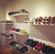 Wall Storage, Shoe Storage, Cool Boys Room, Hypebeast Room, Shoe Store Design, Shoe Wall, Shoe Display, Floor Colors, Shoe Closet