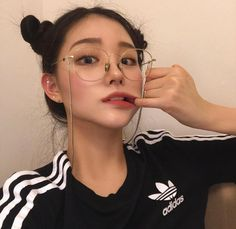 girl, ulzzang, and korean εικόνα Ulzzang Korean Girl, Cute Korean Girl, Asian Girl, Ulzzang Girl Selca, Ulzzang Style, Ulzzang Girl Fashion, Swag Girls, Donia, Uzzlang Girl