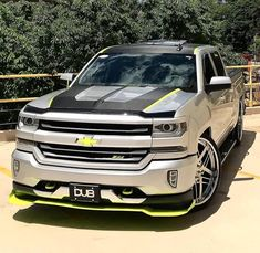 I truly am keen on this color scheme for this car Trucks Only, Gm Trucks, Diesel Trucks, Cool Trucks, Lifted Trucks, Pickup Trucks, Chevrolet Tahoe, Chevrolet Trucks, Chevrolet Silverado