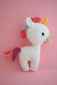 Now I try to wright the pattern for my unicorn in english. Some of you may know the german pattern .