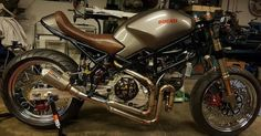 Ducati Monster Moto Ducati, Ducati Cafe Racer, Ducati Motorcycles, Cafe Racer Motorcycle, Vintage Motorcycles, Ducati Monster, Custom Motorcycle Helmets, Women Motorcycle, Monster 696