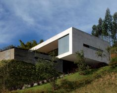 Modern minimalist pad nestled hillside in Colombia by Alejandro Restrepo Montoya et al Contemporary Architecture, Architecture Details, Interior Architecture, Interior Design, Hillside House, Concrete Houses, Unusual Homes, House On A Hill, Modern Exterior