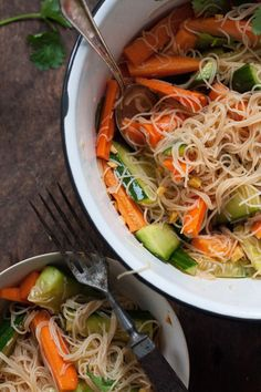 Vegan glass noodle salad - quick, easy and healthy - Healthy comfort food: vega. - Vegan glass noodle salad – quick, easy and healthy – Healthy comfort food: vegan glass noodle - Veggie Recipes, Salad Recipes, Vegetarian Recipes, Healthy Recipes, Healthy Salads, Healthy Eating, Glass Noodle Salad, Mozarella, Gourmet