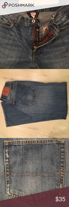 🍀 Lucky Brand Dungarees Jeans 🍀 Lucky Brand Dungarees Jeans EUC Original distressed pockets front & back 30 waist x 30 length Lucky Brand Jeans