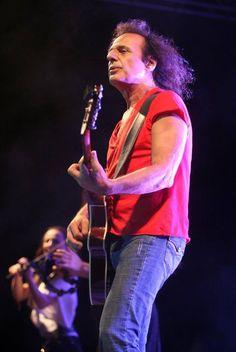 Vasilis Papakonstantinou Greek Rock! Greek, Singer, Concert, Celebrities, Music, Photography, Style, Fashion, Musica