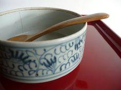 Japanese antique porcelain bowl - 19h century Imari ware - WhatsForPudding