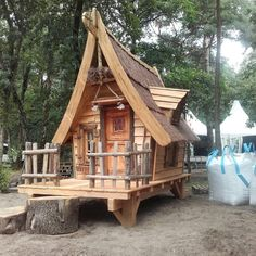 Tiny House in Holland by Boomhut. Cubby Houses, Fairy Houses, Dog Houses, Play Houses, Tree House Designs, Tiny House Design, Crooked House, Fairytale House, Woodland House