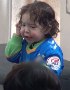 Superman Baby, Cute Kids, Cute Babies, Baby Kids, Korean Tv Shows, Expressions Photography, Baby Park, Baby Icon, Response Memes