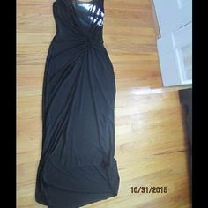 Ralph Lauren Black Flattering dress size 2 Ralph Lauren Black CUTE Figure Flattering With a Gathered Waist size 2 retail $119. Pre-owned, worn only a couple of times. Pictures don't do this justice. Ralph Lauren Dresses