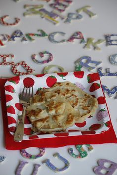 MINI APPLE PANCAKES 1c wholemeal flour 1-2 eggs 1c milk 1 lg or 2 sm apples 25g butter/coconut oil -Whisk flour, eggs & milk in a bowl. -Peel/ core apples, cut in 8 parts, slice thinly & combine in batter. -Melt small amount of butter/coconut oil in frying pan, low-med heat. When warm, pour small amounts of batter, making 3 mini pancakes. Flatten any apple slices that are sticking up. -Fry on one side until golden (2 min, usually until top is just dry), then flip & fry for another 1-2 min.