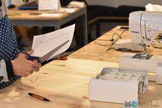 Cómo hacer una mesa para la máquina de coser   Momita's blog Sewing Hacks, Blog, Things To Make, Crafts With Pallets, Kids Clothes Patterns, Sewing Diy, Olive Tree, Sew, Hampers